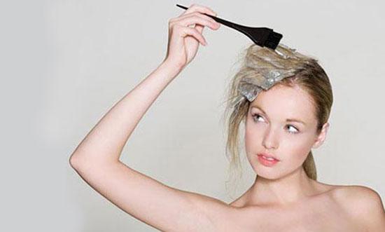 Nấm da đầu có nên nhuộm tóc không